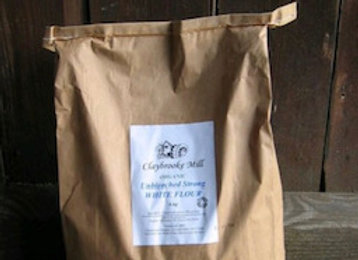 Organic stoneground wholemeal bread flour per 100g