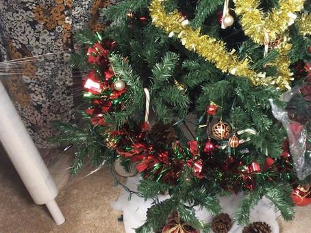 Christmas Tree saran wrap hack