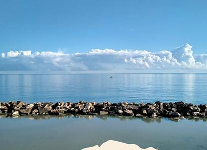 Il mare che si mescola al cielo