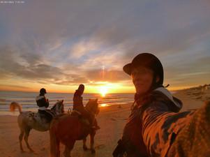 FUORI ORARIO AL MARE - alba a cavallo