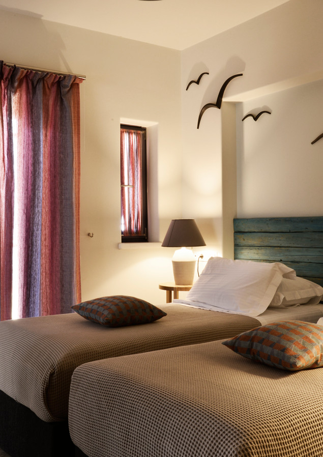 Bedroom with one double bed or two single beds