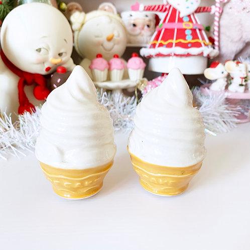 Vintage Ice cream Salt & Pepper Shaker Set