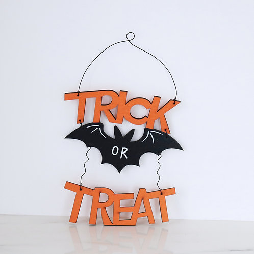 Wooden Trick Or Treat Wooden Halloween Decorative Sign