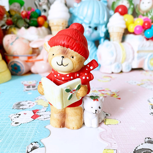 Vintage Kitschmas Caroling Bear Figuren