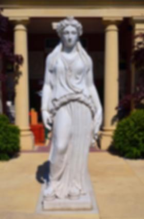 Bacchante, Baccus, viininjumala, viininjumalatar, antiikkipatsas, patsasnäyttely, puutarhanäyttely, kivipatsas, figuuri, eläinfiguuri, eläinpatsas, puutarhapatsas