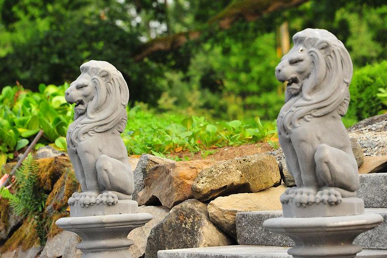 eläinfiguuri, figuuri, leijonapatsas, patsas, antiikkipatsaat, patsasnäyttely, puutarhanäyttely, vesielementti, kivipatsas