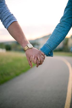 calgary couple in love-5.jpg
