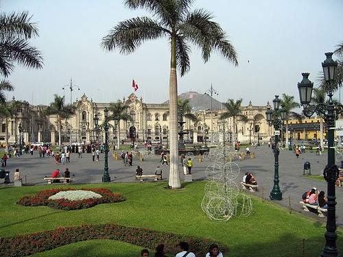 governors-palace-in-lima-peru_800.jpg