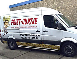 Mercedes bus Friet-uurtje snacken op locatie