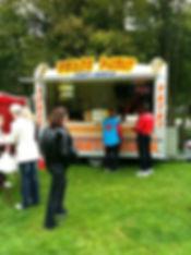 snackwagen verhuur friet-uurtje ook op Uw feestterein