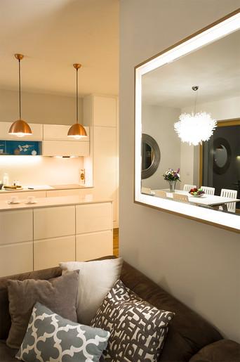 Kúzelný apartmán s výhľadom na rieku   design CADFACE
