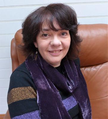 Headshot Anita (2).jpg