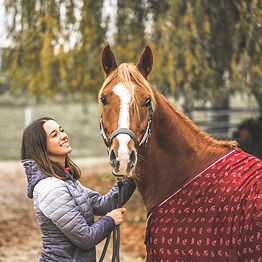 Lisa mit Pferd Gengiskan.jpg