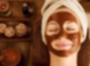 Ansiktsbehandling med sjokolade. Sjokoladeterapi og hudpleie