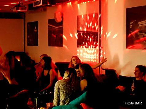 FITCITY BAR | Veselo vzdušje na zabavi
