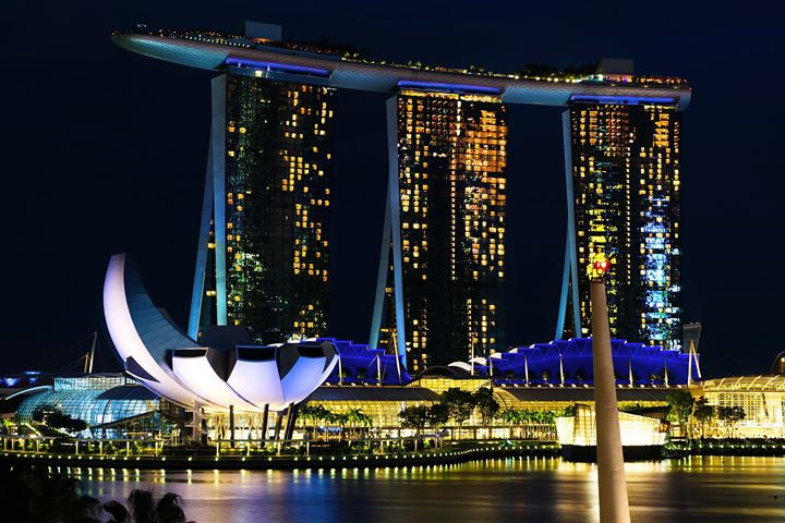night at marina bay sands