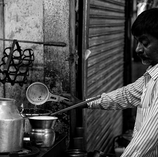 big thanks today for the great #food #tour of old #delhi by _delhifoodwalks _ this guy made our classic #milk #tea with #spices you defiantl