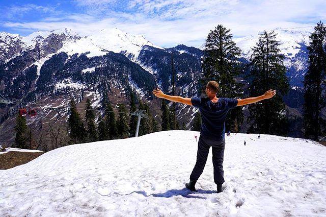 Oh yes you can #ski in #India _ #manali #himachalpradesh -_-_#travel #traveling #travelgram #instatravel #wanderlust #backpacking #guardiant