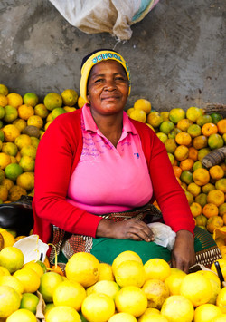 mozambique_market_oranges