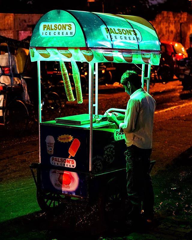 #delhi #nights _ #icecream anyone_ -_-_#travel #traveling #travelgram #instatravel #wanderlust #backpacking #guardiantravelsnaps #photograph