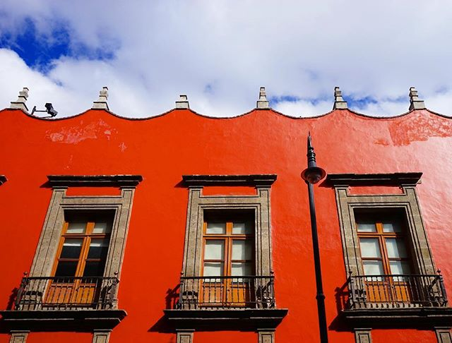 Add some #color to your #life _ #mexicocity #architecture #cdmx -_#travel #traveling #travelgram #instatravel #wanderlust #backpacking #adve