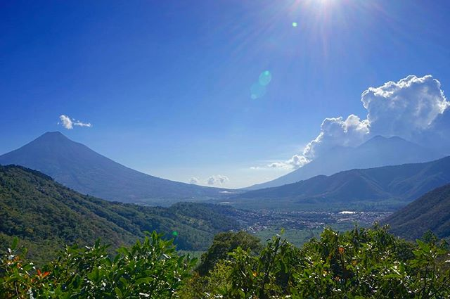 A #volcanic #view to #kill for _ #earth #lodge _ #antiguaguatemala #guatemala -_-_#travel #traveling #travelgram #instatravel #wanderlust #b