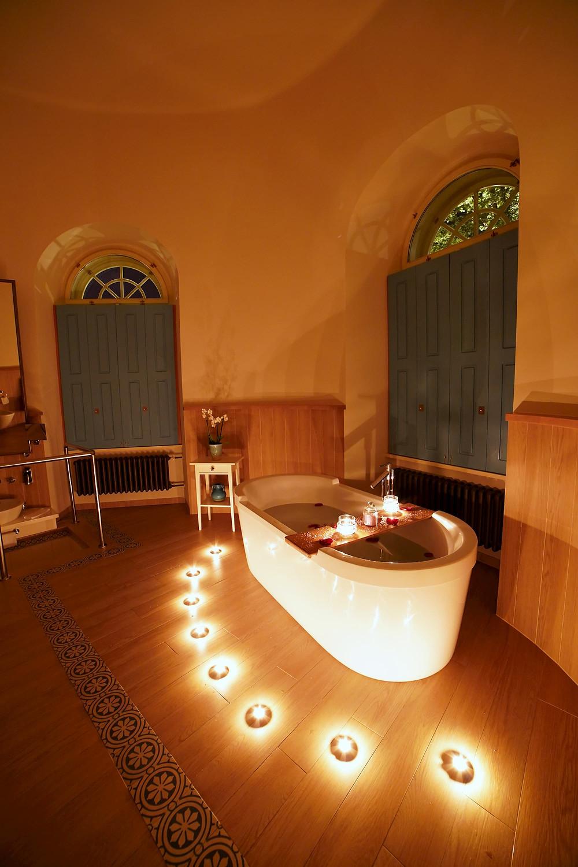 bathroom in the preidential suite