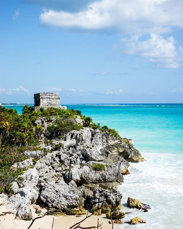 For my first #photo of #centralamerica I thought I would share something #special with you _ this is the #mayan #ruins in #tulum #Mexico _ y