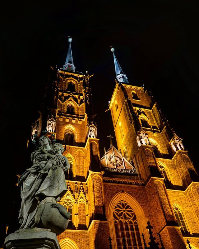 #wroclaw #cathedral _ part of my #nighttime #series _ # Poland -_-_ #travel #traveling #travelgram #instatravel #wanderlust #backpacking #ad