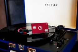 curve-card-record-player