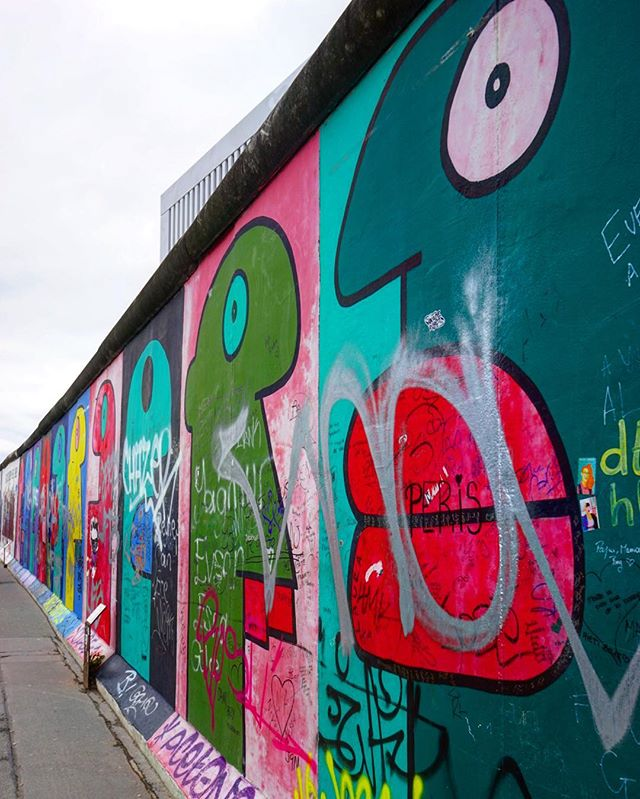 One of the most #famous #artwork from the #wall _ #eastsidegallery #travel #traveling #graffiti #germany