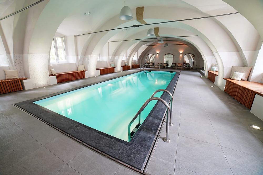 pool & sauna area