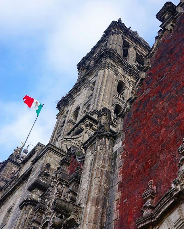 #welcome to #mexicocity & the #beautiful main #square _ #mexico #cdmx #ciudaddemexico -_-_#travel #traveling #travelgram #instatravel #wande