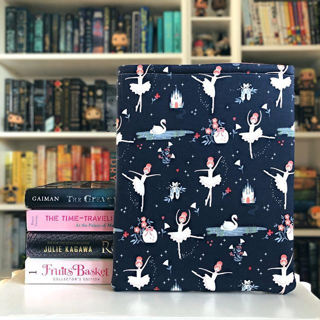 🏰 Check out our book sleeve giveaway fo