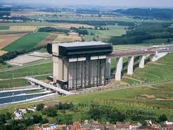 ascenseur à bateaux de Strépy-Thieux.jpg
