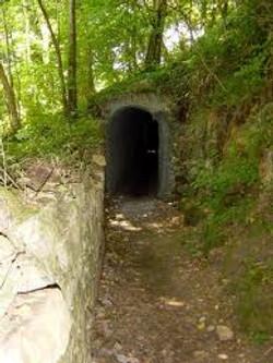Tunnel des Amoureux à Ecaussinnes.jpg