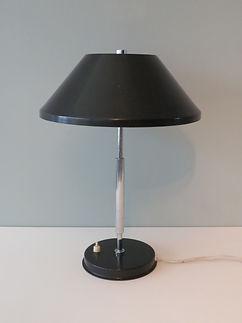 desk lamp black 3.JPG