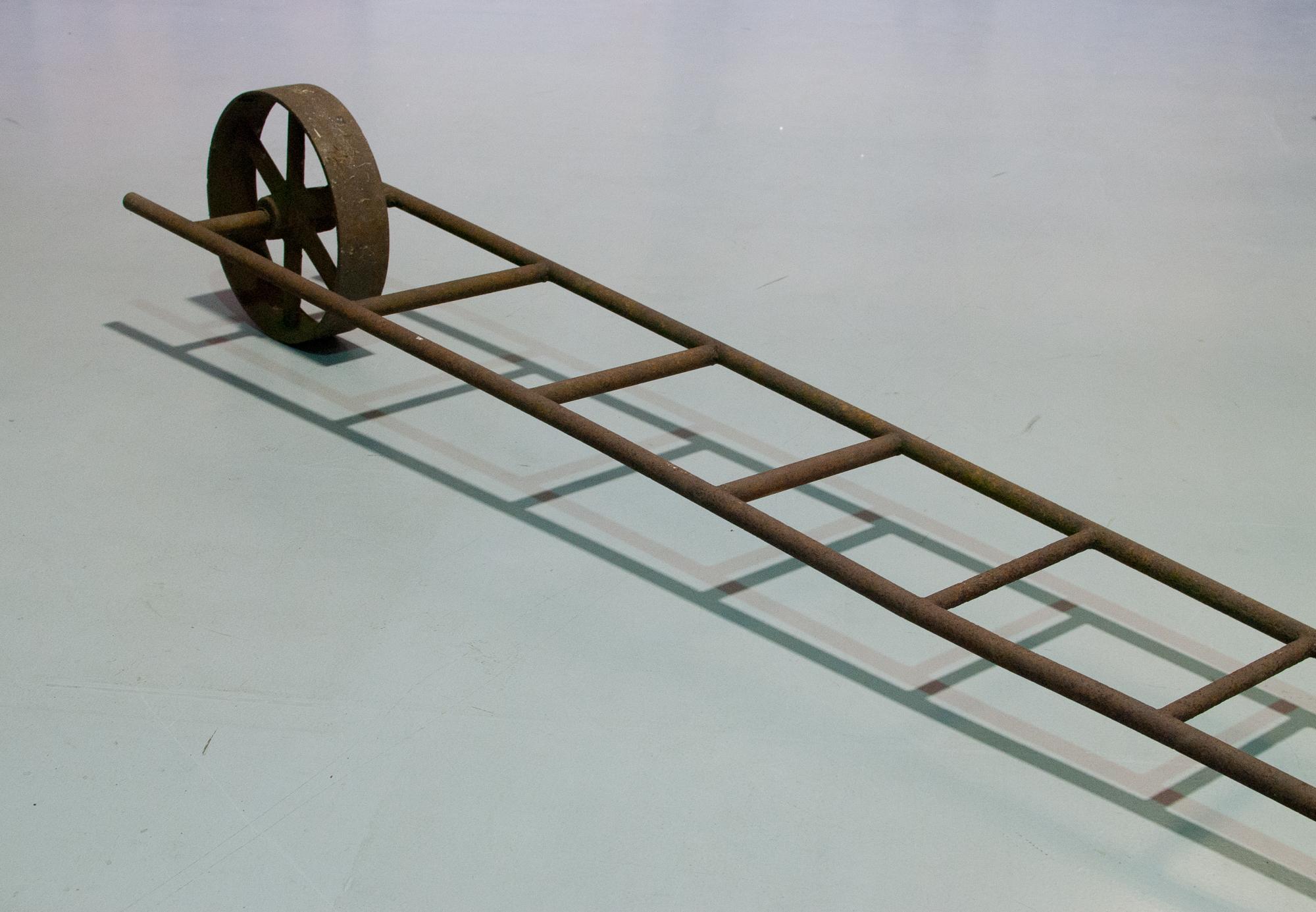 73. Escalera con rueda (detalle)