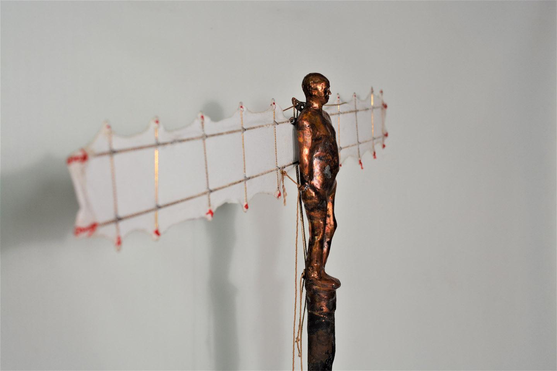 Icaro ,Hierro,bronce y tela