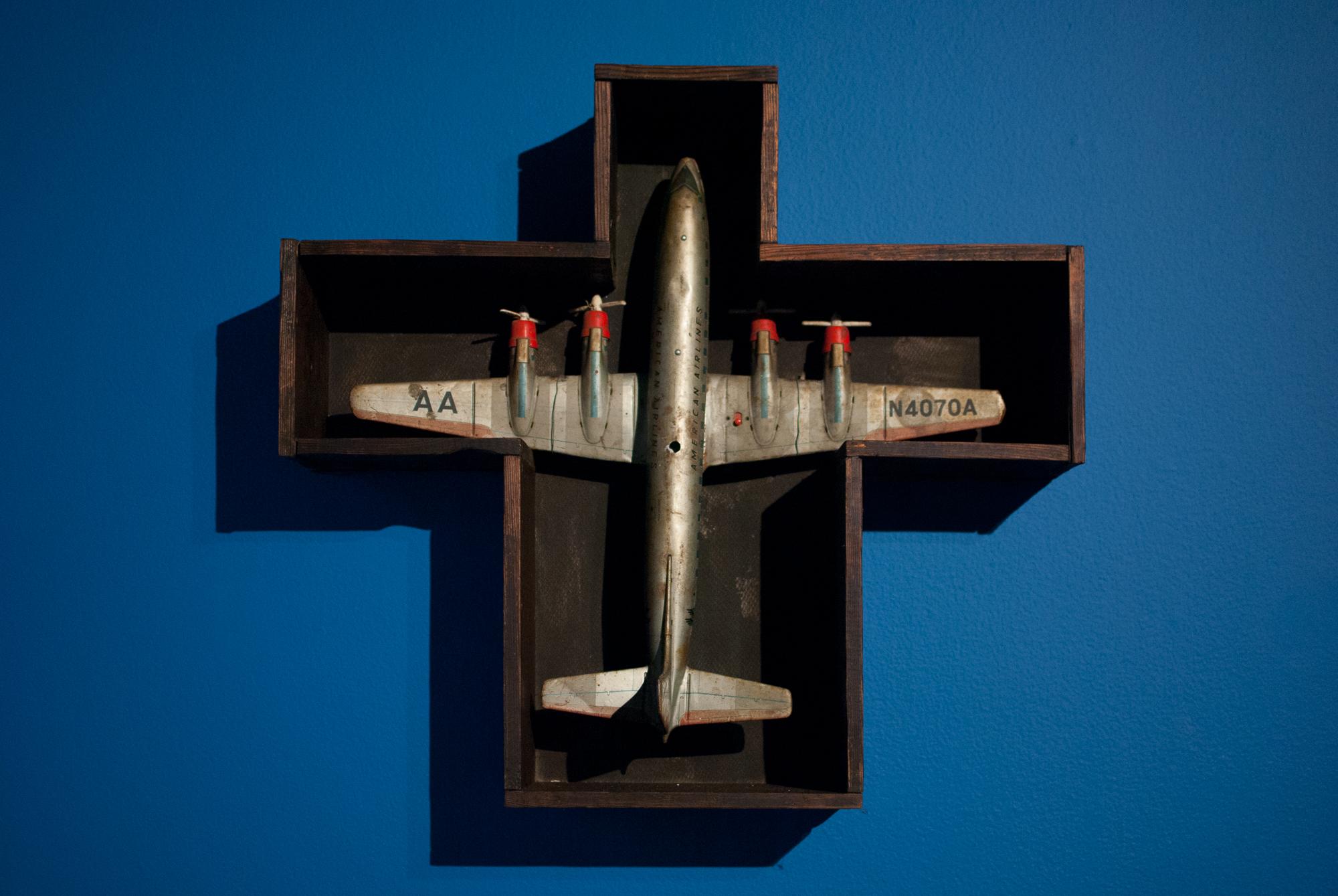 33. Caja avión A.A.