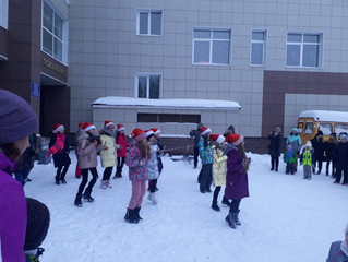 Парад новогодних флешмобов