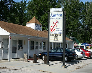 The highly rated Anchor Motel and Cottages offers 42 exceptionally clean, newly renovated rooms and fully equipped cottages all conveniently located on the Strip within walking distance of all Geneva-on-the-Lake attractions. All units offer Heat/AC, TV, refrigerator, microwave, and coffee pots.