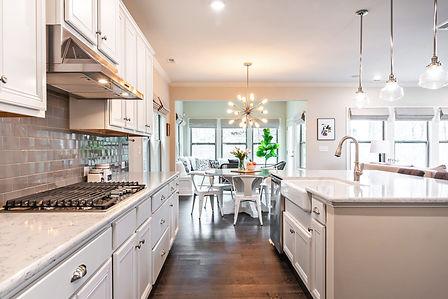 Modern Kitchen - Home Renovations