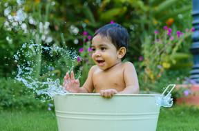 Water bath photoshoot
