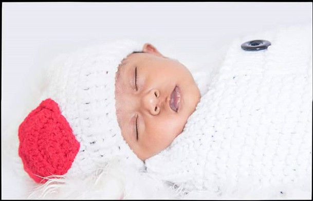 Seeing a baby sleep is blissful!__#newbo