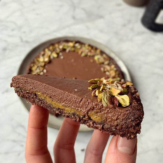 TARTE RAW NOISETTE - PISTACHE - GANACHE CHOCOLAT (8-10 PERSONNES) ✰
