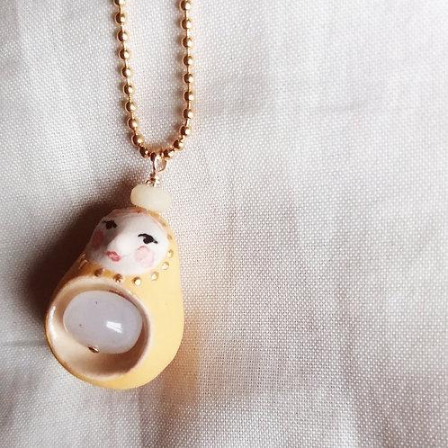 Sautoir poupée russe et son bébé pierre de lune