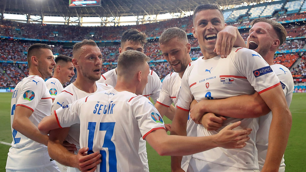 netherlands_v_czech_republic_-_uefa_euro