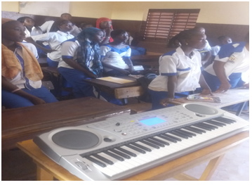 Students of grade 9 attending a music course