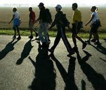 wandelende mensen.jpg